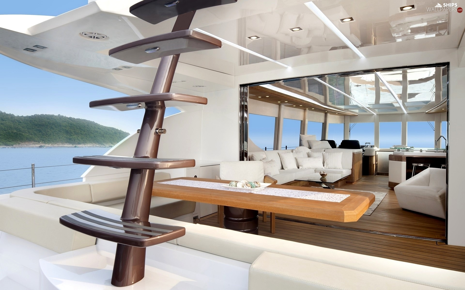 http://wejetlovers.wehomeowners.com/wp-content/uploads/2016/07/Yacht-Photo_001.jpg