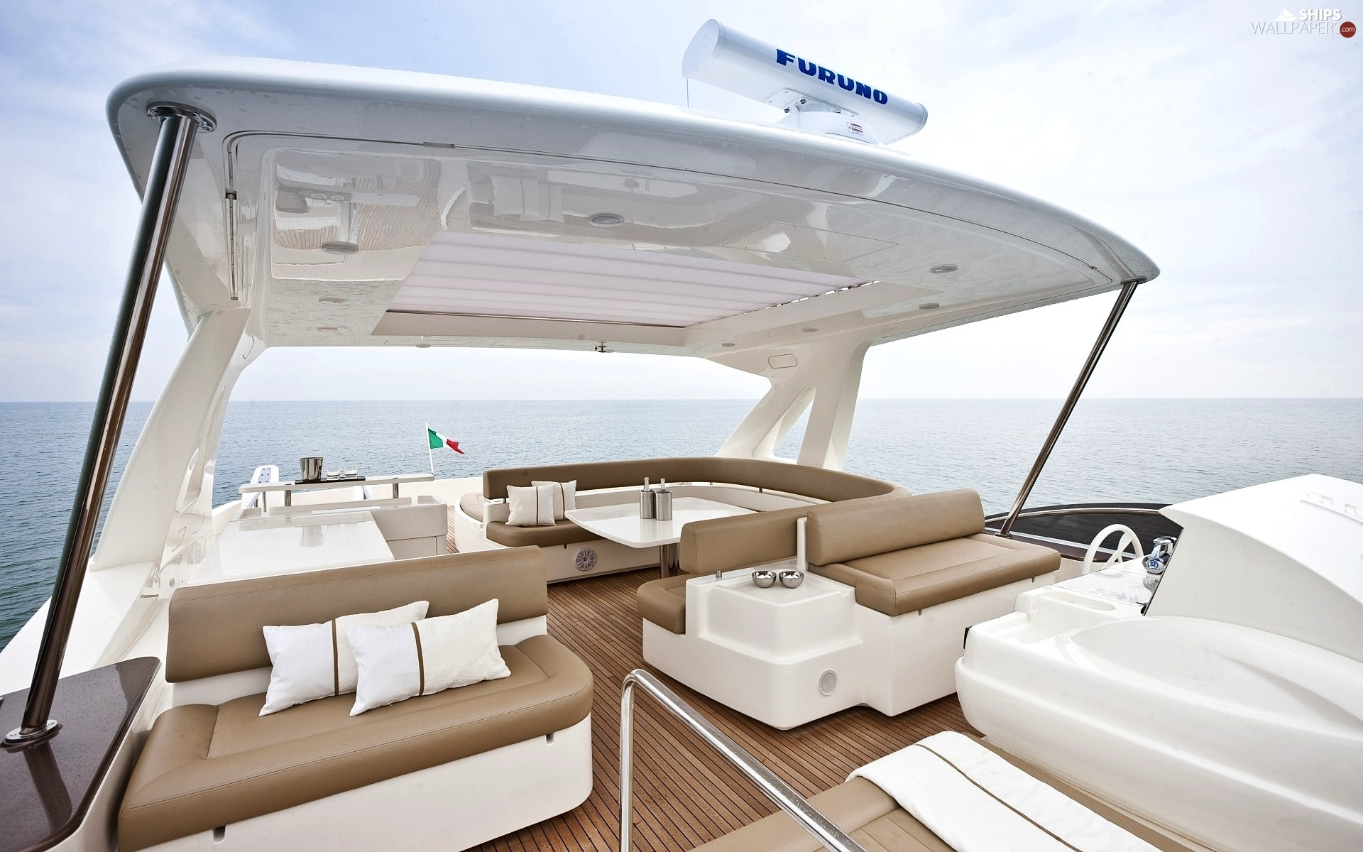 http://wejetlovers.wehomeowners.com/wp-content/uploads/2016/07/Yacht-Photo_002.jpg